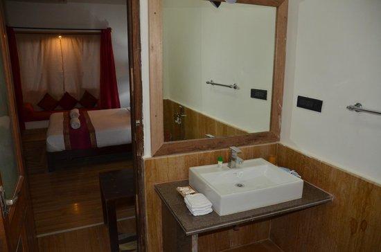 Jasmin Home: Bathroom