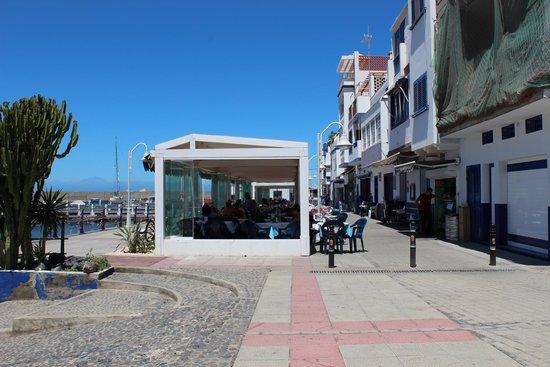 Puerto de Las Nieves : paseo del porto con la fila dei ristoranti