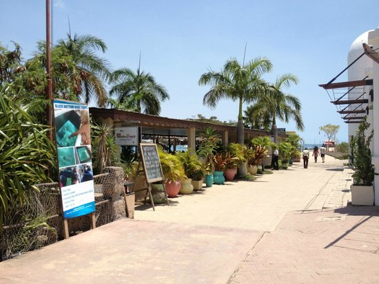 The Waterfront Sunset Restaurant & Beach Bar: Water Front photo