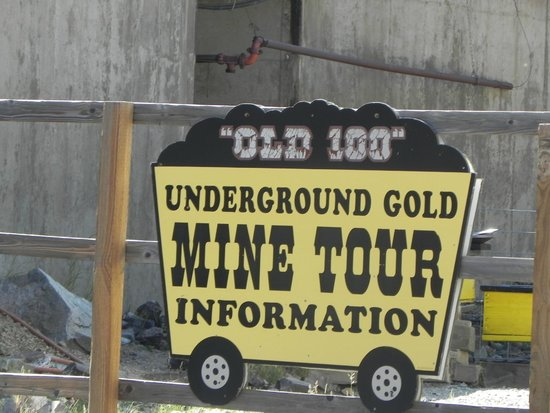 Old Hundred Gold Mine Tour : Entrance