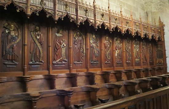 Cathedrale de St-Pierre : Old pulpits without proper seats