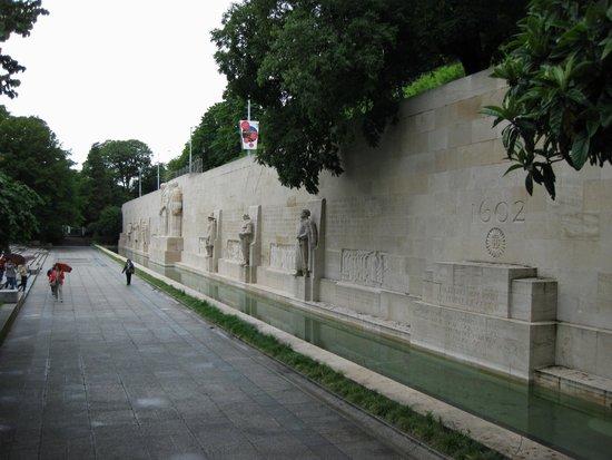 Reformation Wall (Mur de la Reformation): Overview