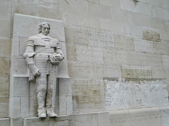 Reformation Wall (Mur de la Reformation): A stern defender, William of Orange