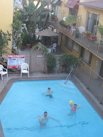 Hollywood Downtowner Inn: Cooling off at the Inn