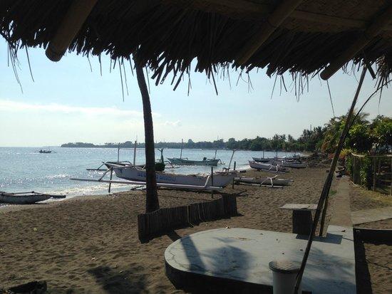 Lilin Lovina Beach Hotel : ห้องอาหารของรีสอร์ท