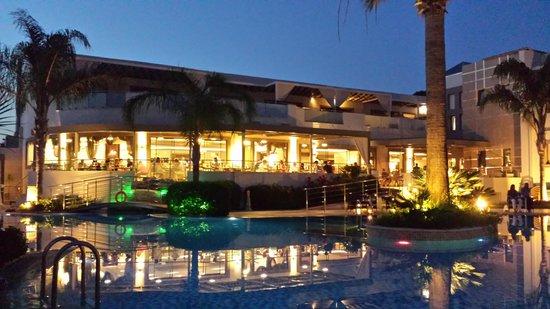 The Lesante Luxury Hotel & Spa: Hotel in the night