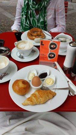 Cafe Luitpold: Great find!! Beautiful cafe.