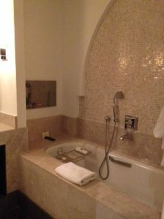 The St. Regis Doha: baño