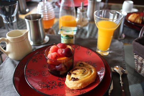 Courcelles-Parc: Breakfast