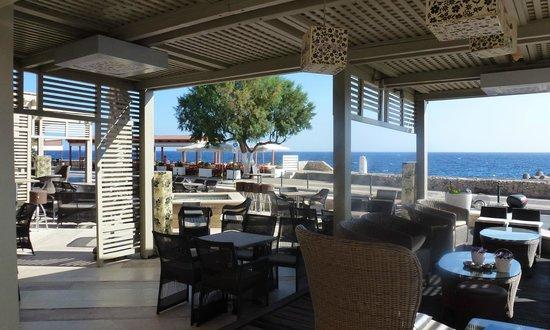 Ideon Hotel: The outside terrace area
