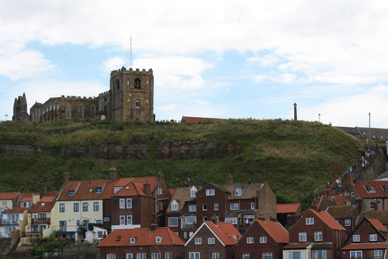 Whitby Harbour: 199 Steps