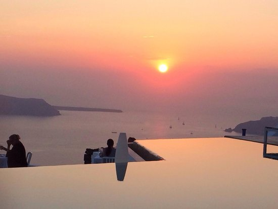 Grace Santorini Hotel: Pink sunset