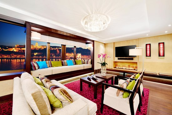 InterContinental Budapest: Presidential suite evening view