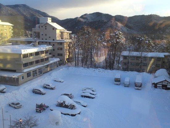 Tateyama Prince Hotel: 急な雪に見舞われました