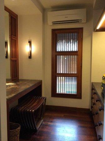 Kanuhura: room