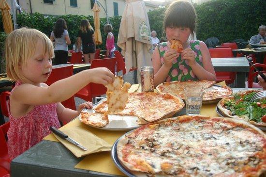 Voglia DI Pizza: We loved our pizzas