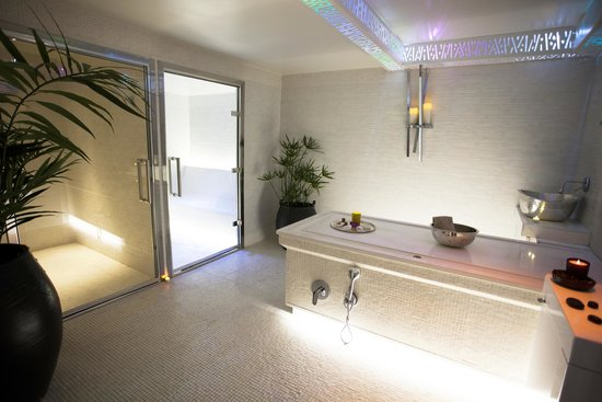 Five Seas Hotel Cannes : Hamman Cabin