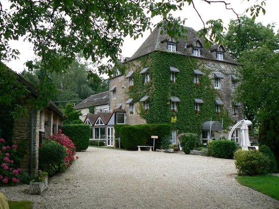 Moulin d'Hauterive : Exterieur de l'hotel