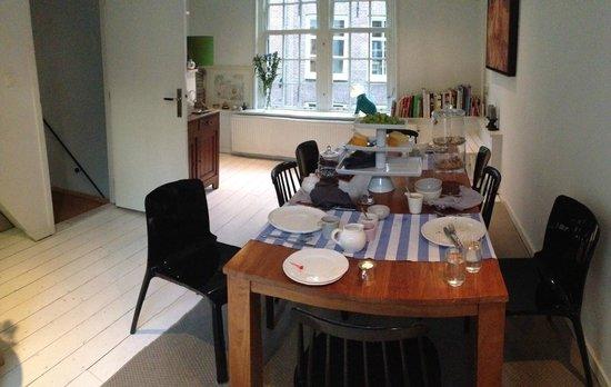 Sleep in Amsterdam B&B: Adorable Breakfast room
