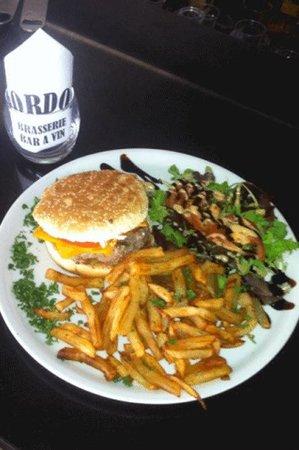 Le GORDON : Repas du 21 juillet 2014. Hamburger avec frites maison et salade