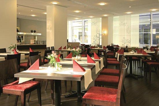 Ibis Dresden Königstein: Restaurant & Frühstücksbereich