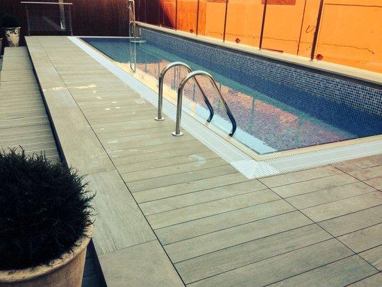 Catalonia Square: Pool