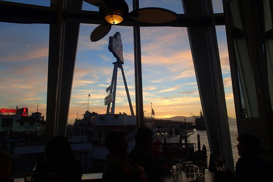 Franciscan Crab Restaurant : Sunset view