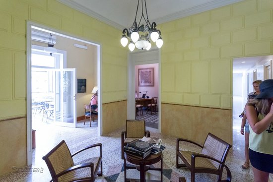 Palazzo Pantaleo B&B: Kontoret til Giuseppe