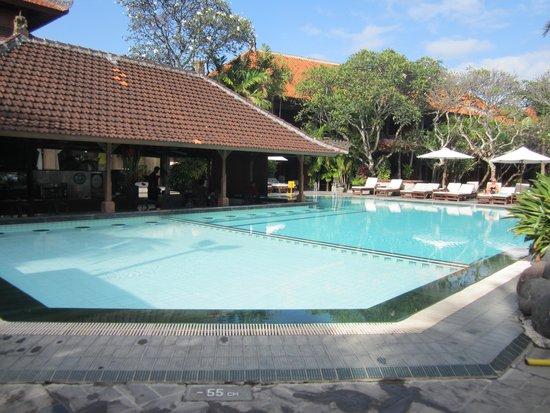 Griya Santrian: piscine principale