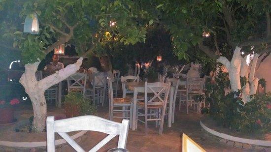 Perivoli Restaurant