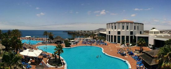 Sandos Papagayo Beach Resort: This is an actual photo taken from my non-premium room in July 2014