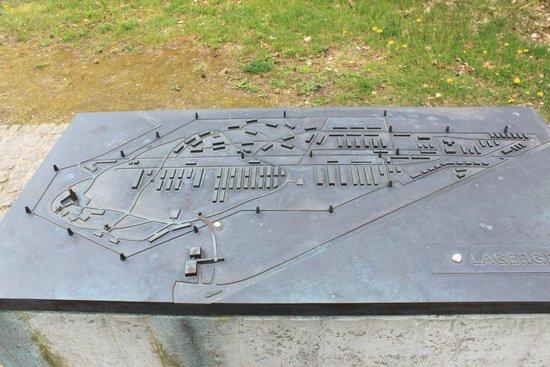 Bergen-Belsen Memorial: Maps of camp