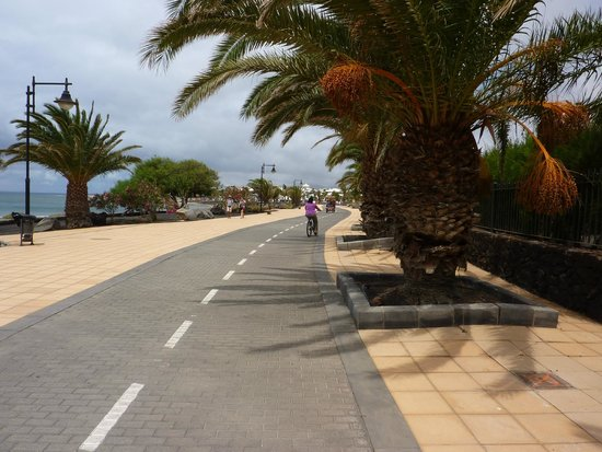 Arrecife Gran Hotel : Cycle route without cars ! Paradise for beginners.