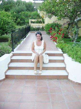 Tara Beach Hotel: grounds