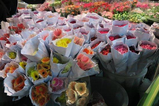 Pak Khlong Talat (Flower Market): Flower and more flowers