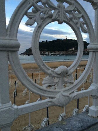 Hotel Niza: great views from the promenade