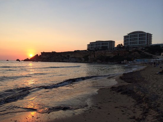 Radisson Blu Resort & Spa, Malta Golden Sands: The sun going down