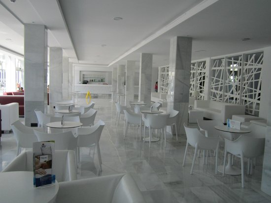 Aparthotel Rosa del Mar: Лобби
