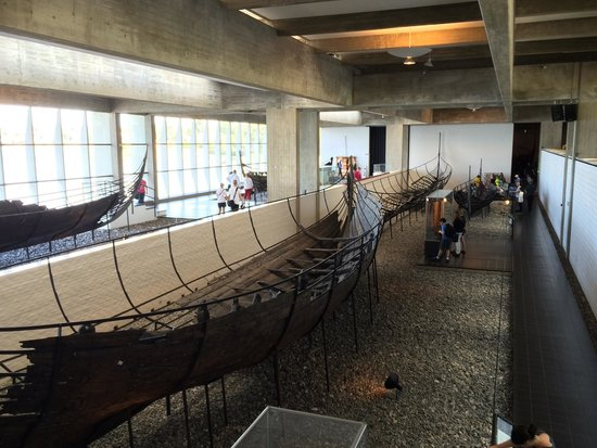 Museo de Barcos Vikingos: Five old boats built again on a frame