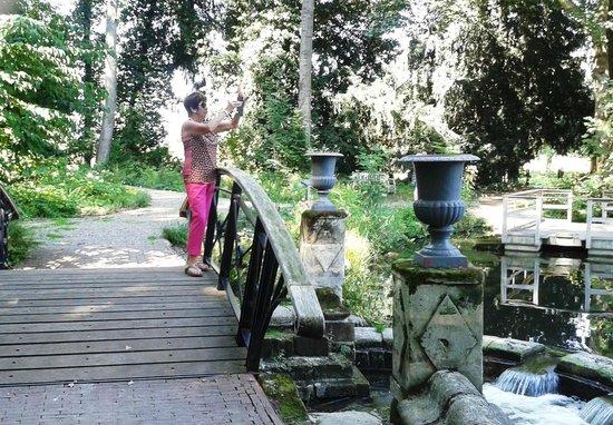 Cute Bridge Buitenplaats Vaeshartelt