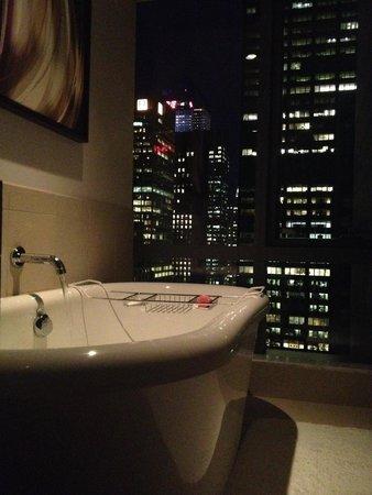 West 57th Street by Hilton Club: Hot bath to end the day!
