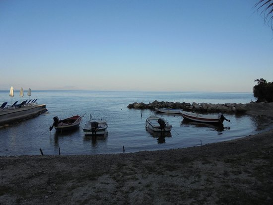 Aeolos Beach Resort : plage le soir