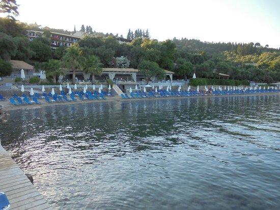 Aeolos Beach Resort : La petite plage