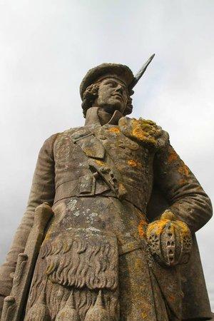 Glenfinnan Monument: Монумент