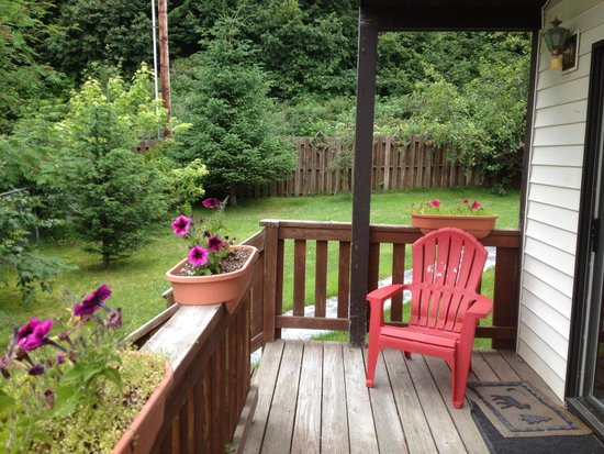 Alaska's Point of View : Patio deck