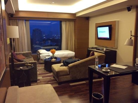 InterContinental Saigon Hotel: our lounge room