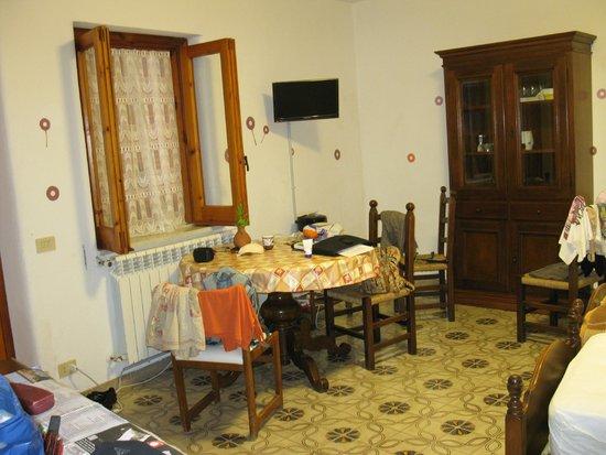 Villa Erade: стол