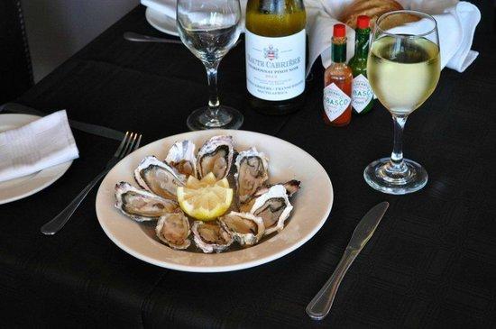 Ocean Blue: Fresh West Coast Oysters