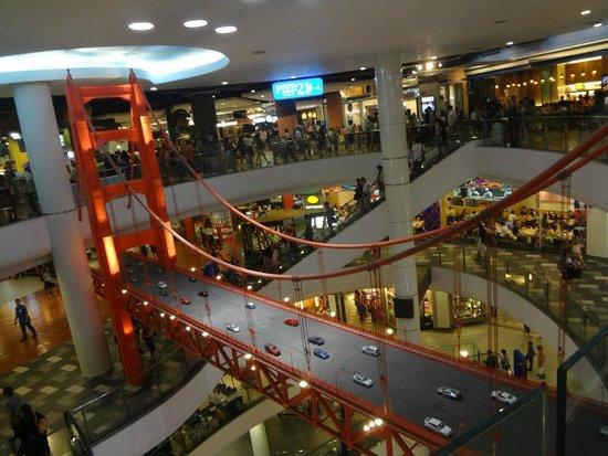 Red Planet Bangkok Asoke: Allentour (centre commercial terminal 2 juste en face)