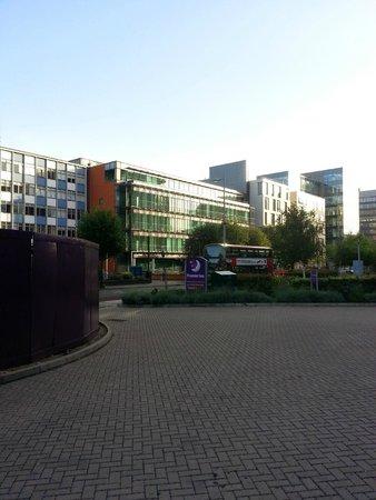 Premier Inn London Ealing Hotel: View onto Uxbridge Road